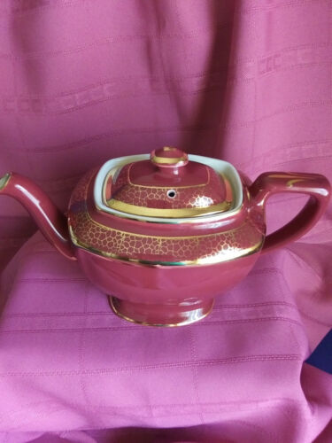 "VINTAGE COLLECTIBLE HALL 1940's ""HOLLYWOOD"" CERAMIC TEAPOT,  USA"