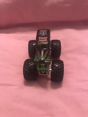 "Hot Wheels MONSTER TRUCKS ""GRAVE DIGGER"" 4 TIME CHAMPION TRUCK!"