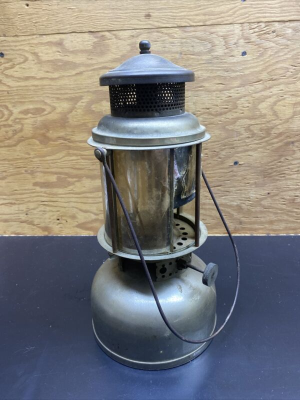 Vintage Sunshine Safety Lamp Co. Lantern, Coleman made, 1920
