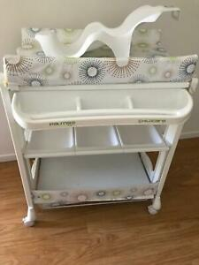 SOLD - PENDING PICKUP Changing table and Bathtub