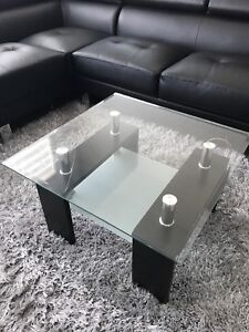 *Amazing condition* Coffee or corner table/ table de cafe