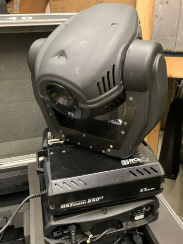 Robe MS Zoom 250 XT moving spot light