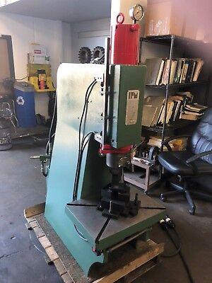 Ipm 25 Ton Hydraulic Press