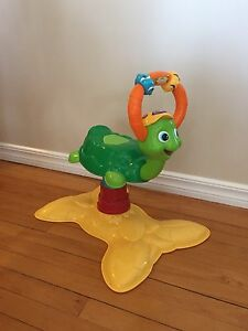Vtech bouncing colours turtle - like new