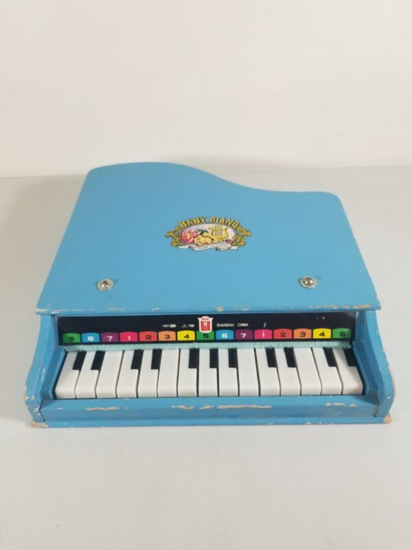 60s Baby Piano Wooden 15 Key Beilei Shanghai China Tori Amos Album Cover Toy