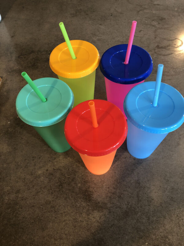 Color Changing Venti Cups. 24 Oz