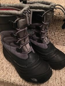 Size 4 north face boots