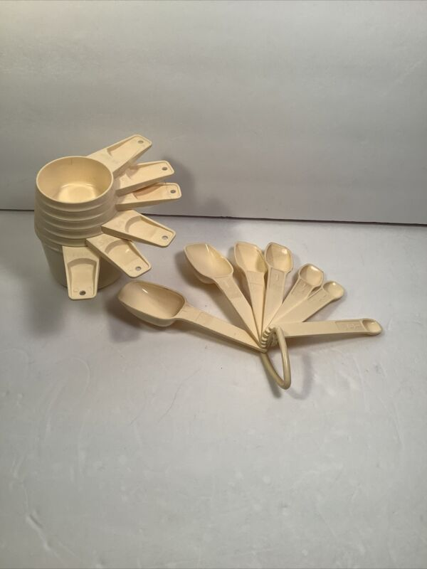 Tupperware Vintage Almond Measuring Cups And Spoons Complete Set