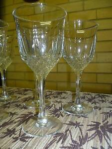 6 WHITE WINE GLASSES IN EXCELLENT CONDITION. New Lambton Heights Newcastle Area Preview