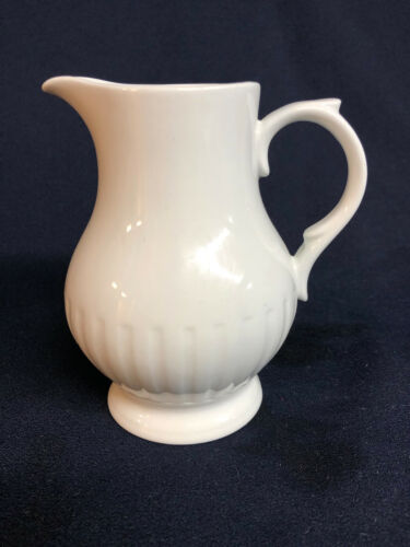 ALFRED MEAKIN ENGLAND LEEDS CREAMER  ALL WHITE RIBBED