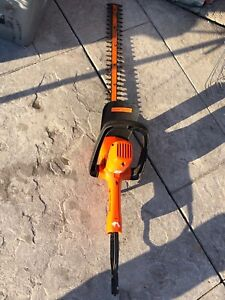 """Black and decker hedge trimmer 22"""" inch for sale"""