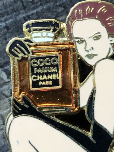 Superbe pins pin badge broche chanel n5 parfum perfume qualitÉ arthus bertrand
