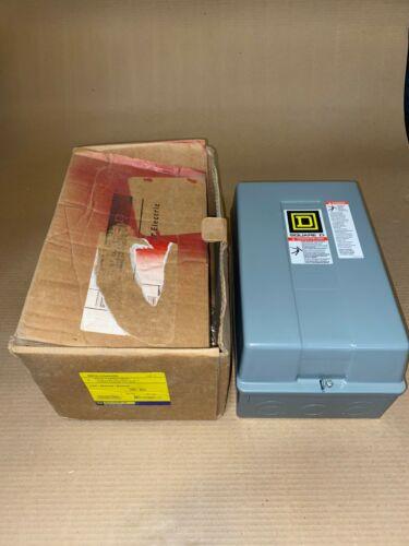 Square D 8903LXG44V02 Lighting Contactor 8 Pole NO 4 NC 30 Amp 120v Coil Nema 1