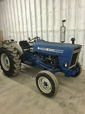 What stores in Texas sell used tractors?