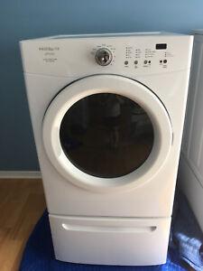 Frigidaire washer and dryer on pedastools