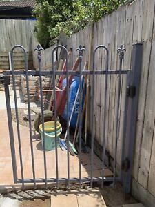 Pool fencing panels and gate