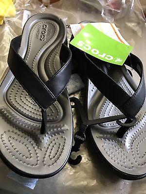 f1235f5140ac2b Crocs Flip Flops 9 Black Leather NWT Black Graphite Capri V Flip Relaxed Fit