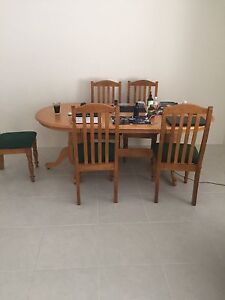 Dinning table for sell Medina Kwinana Area Preview