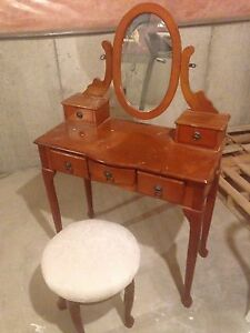 Make up Vanity and stool