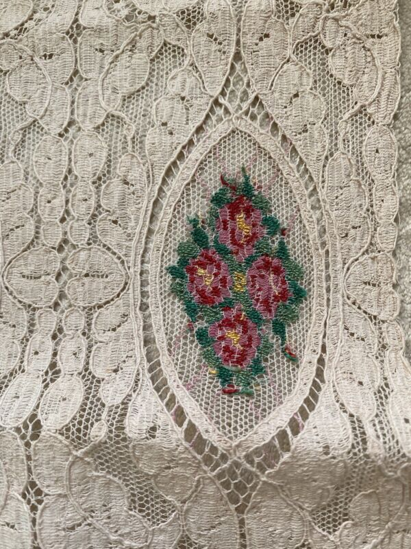 """Antique 1900's Cream Lace Runner Pink Embroidered Inset Flower Bouquets 42"""""""