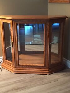 Lighted display cabinet & matching mirror