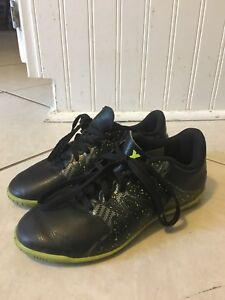 Kids Adidias Indoor soccer shoes
