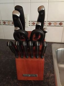 For sale kitchen Aid knifes,  set of 13