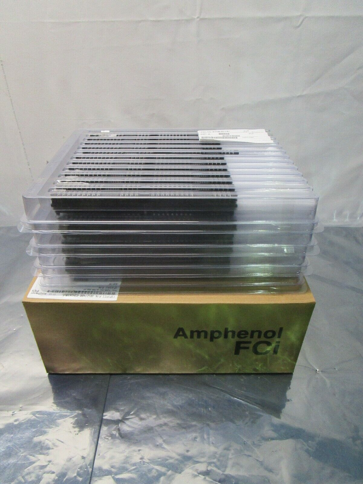 1 Lot of 96 Amphenol FCi 10127400-03H1410LF connector power, 102396