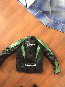 Manteau de moto Kawasaki en cuir grandeur médium small
