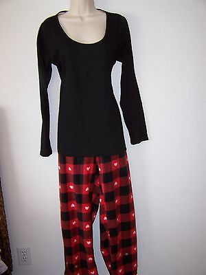 JENNI  2-Piece Pajamas Plaid with Hearts Print Bottoms Solid Black (2 Piece Printed Hearts)