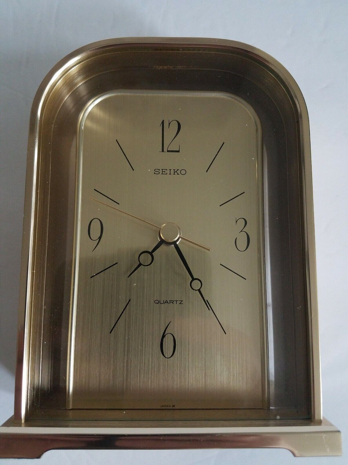 "Vintage SEIKO shelf desk mantel 6 1/4"" clock SEIKOSHA Japan Quartz QQZ165G - VGC"