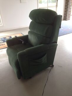 Electric lift / electric recliner chair  Miners Rest Ballarat City Preview