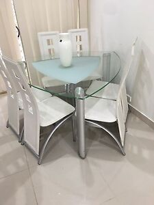 Dining table ( no chairs ) included Horningsea Park Liverpool Area Preview