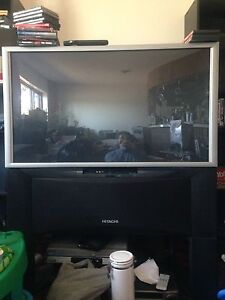 Hitachi Rear projection Television NEED GONE NOW!!!