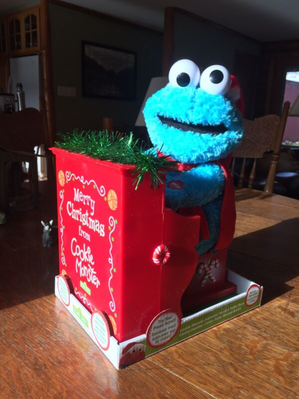 Animated Christmas Cookie Monster Playing Piano