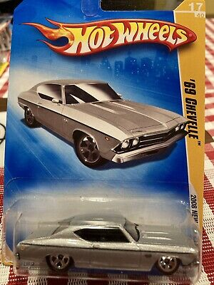 2009 Hot Wheels '69 Chevelle New Models #17 (silver)