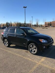 2009 Toyota RAV4 Sport 4WD - Fully Loaded and 2 Sets of Wheels