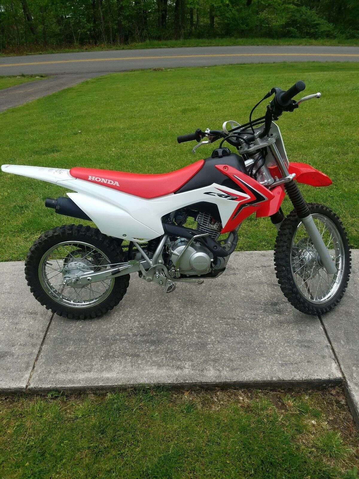 Picture of A 2015 Honda CRF
