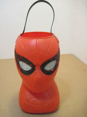 OLD VINTAGE PLASTIC AMAZING SPIDERMAN HALLOWEEN CANDY CARRIER](Awesome Halloween Candy)