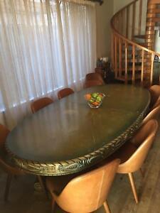 3.8 Metre Extendable Table - Filigree, Pedastal Features