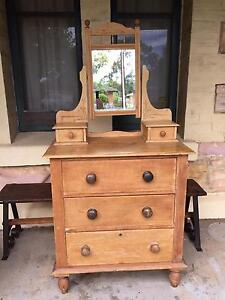 Pine Duchess dressing table $140 Royston Park Norwood Area Preview