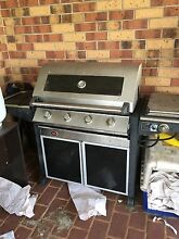4 burner barbaque. BBQ. Middle Ridge Toowoomba City Preview