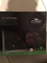 Boys Snow Boots size 1 Thornton Maitland Area Preview