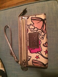 Authentic Coach Poppy Wristlet Wallet