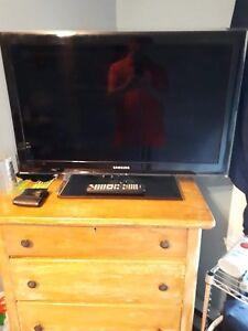 Tv samsung ecran plat HDMI 32 pouces