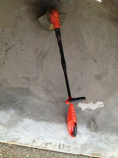 black & decker whipper snipper