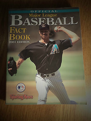 2001 EDITION OFFICIAL MAJOR LEAGUE BASEBALL FACT BOOK BY THE SPORTING NEWS