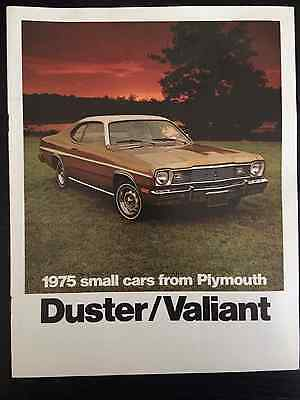 1975 Plymouth Duster and Valiant 16-page Sales Brochure Mopar Chrysler