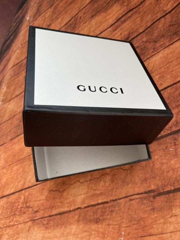 AUTHENTIC GUCCI BLACK WHITE EMPTY SQUARE STORAGE GIFT BOX 7 1/2 x 7 1/2 x 2 3/4