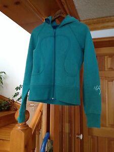 Lululemon scuba hoodie limited edition size 4